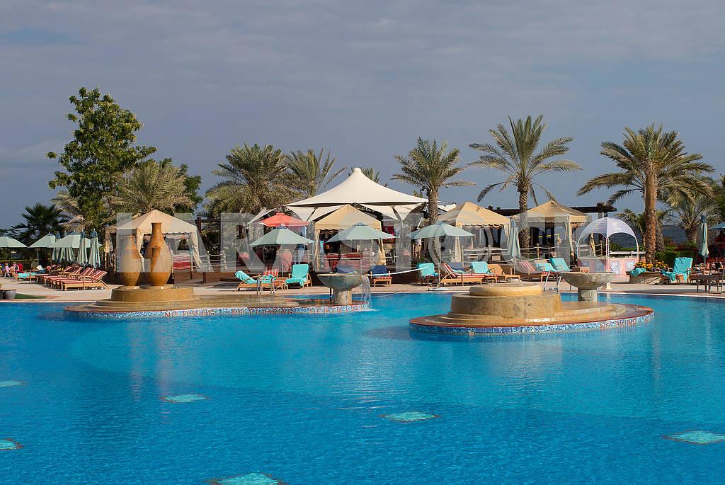 Pool near the hotel — Image 66722