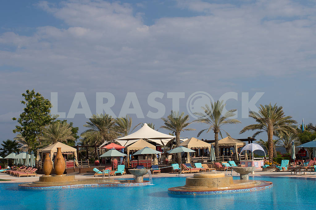 Pool near the hotel — Image 66725