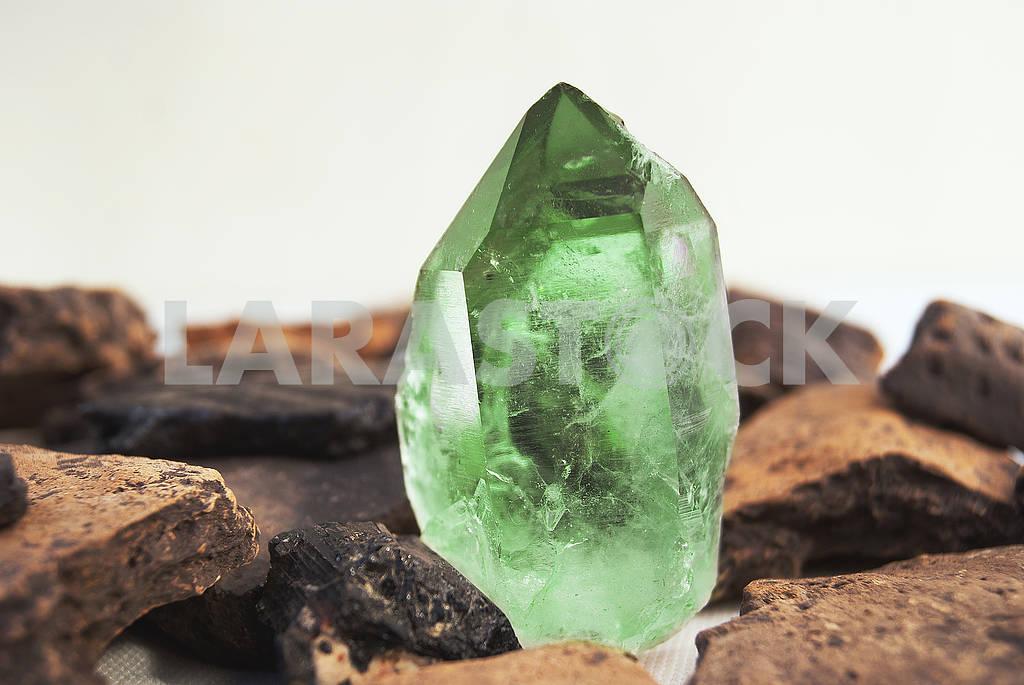 Large quartz crystal on white background close-up — Image 66886