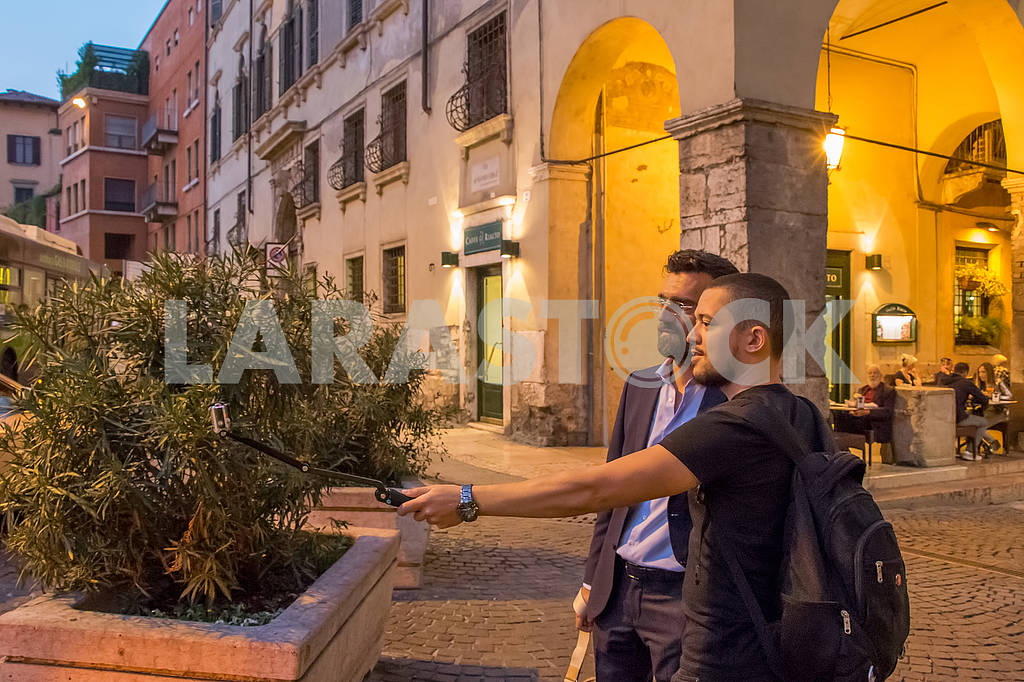 Tourists in Verona — Image 67060