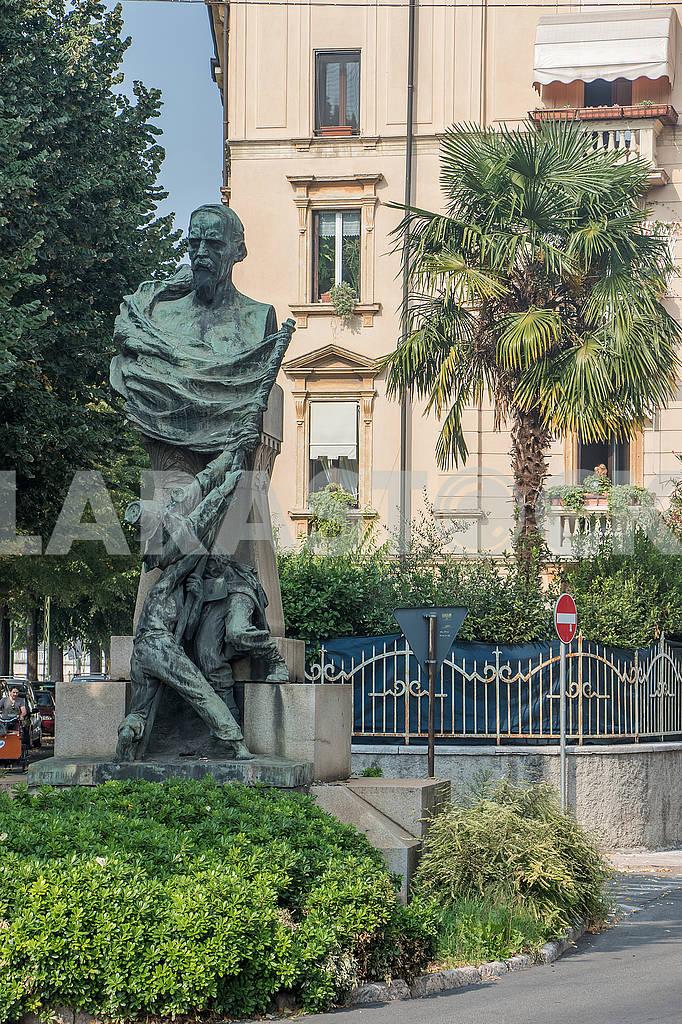 Памятник на улице Скримиаре — Изображение 67148