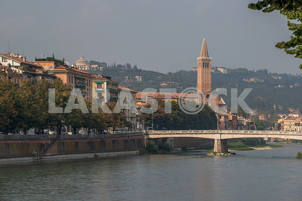 Мост через Адидже и собор Святой Анастасии — Изображение 67149