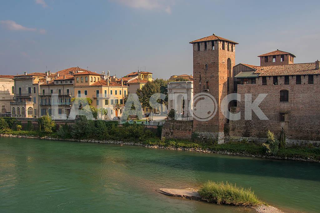 The Adige River and the Castle of Calvecchio — Image 67262
