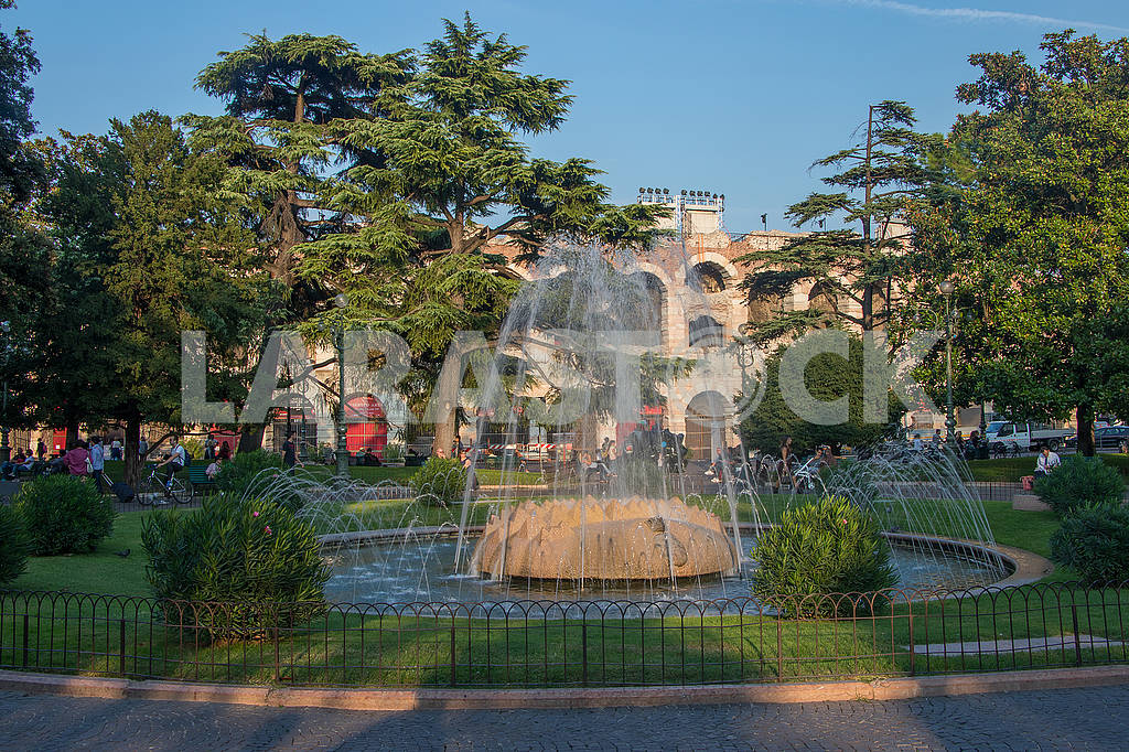 Fountain of the Alps in Verona — Image 67308