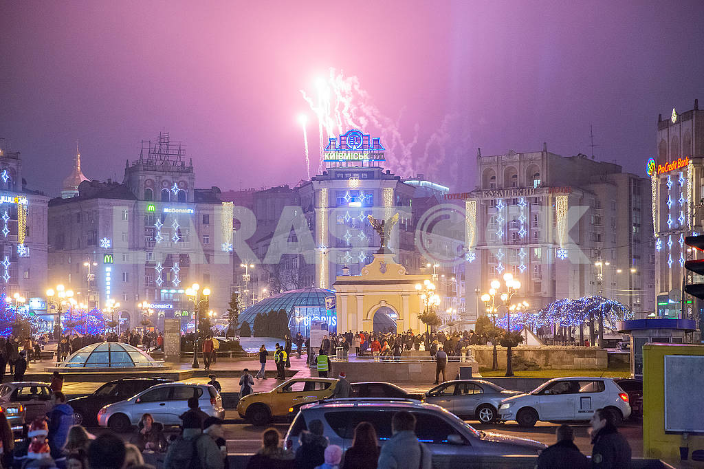 Celebrating the New Year in the center of Kiev on the night from December 31st to January 1st. — Image 67351