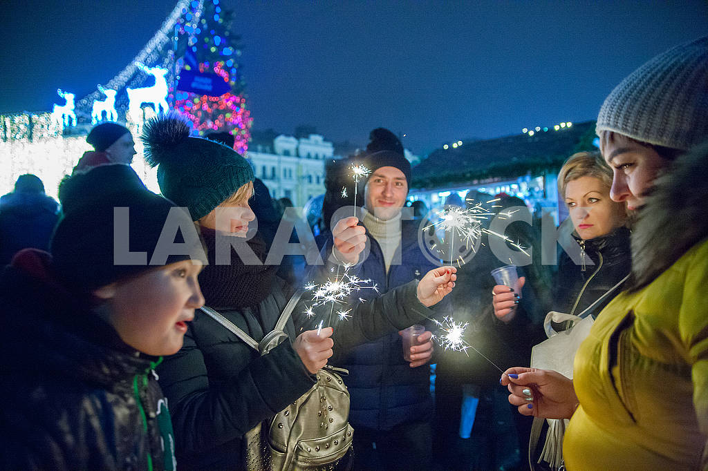 Celebrating the New Year in the center of Kiev on the night from December 31st to January 1st. — Image 67352