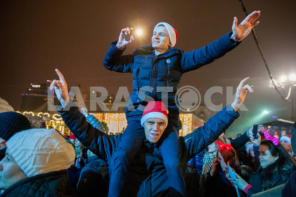 Celebrating the New Year in the center of Kiev on the night from December 31st to January 1st. — Image 67366