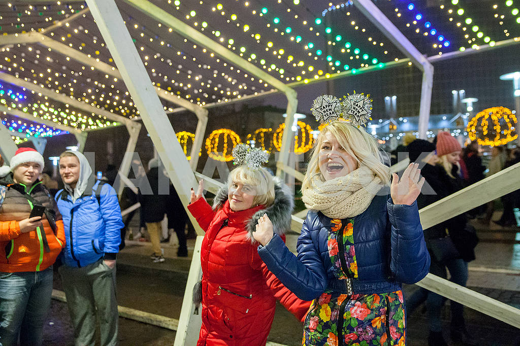 Celebrating the New Year in the center of Kiev on the night from December 31st to January 1st. — Image 67369
