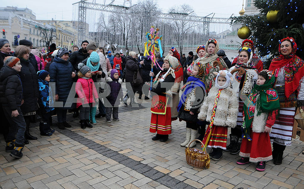Christmas procession with stars — Image 67500