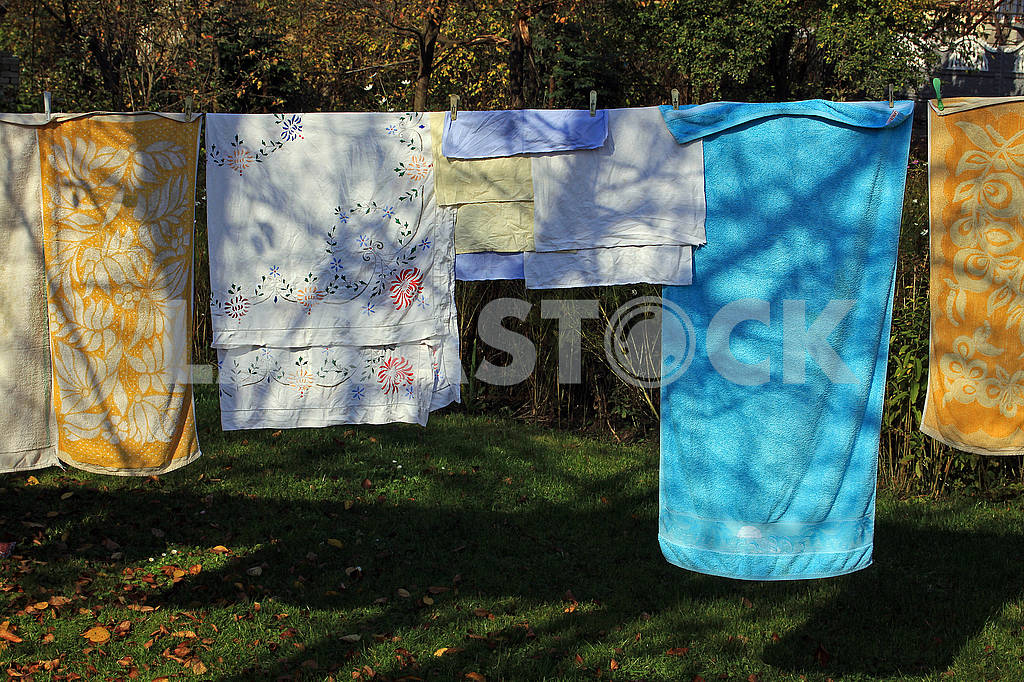 Colorful towels drying in the fresh air — Image 68089