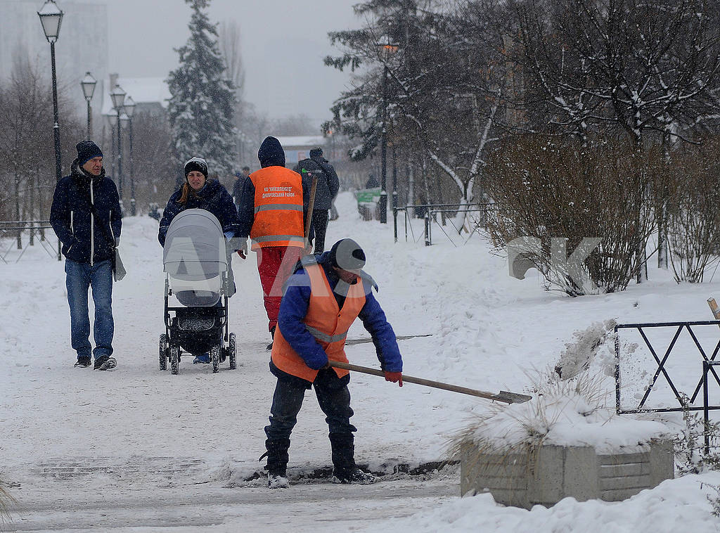 Snow cleaning in Kiev — Image 68208