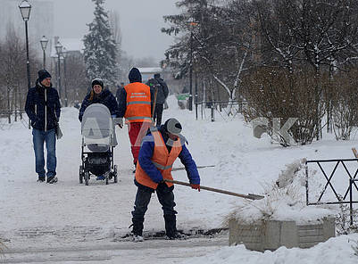 Snow cleaning in Kiev
