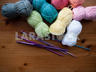 Knitting Equipment