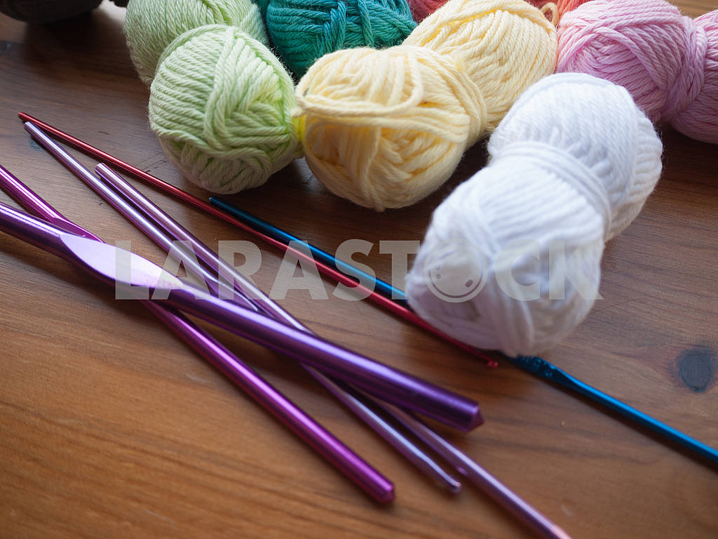 Knitting Equipment — Image 68279