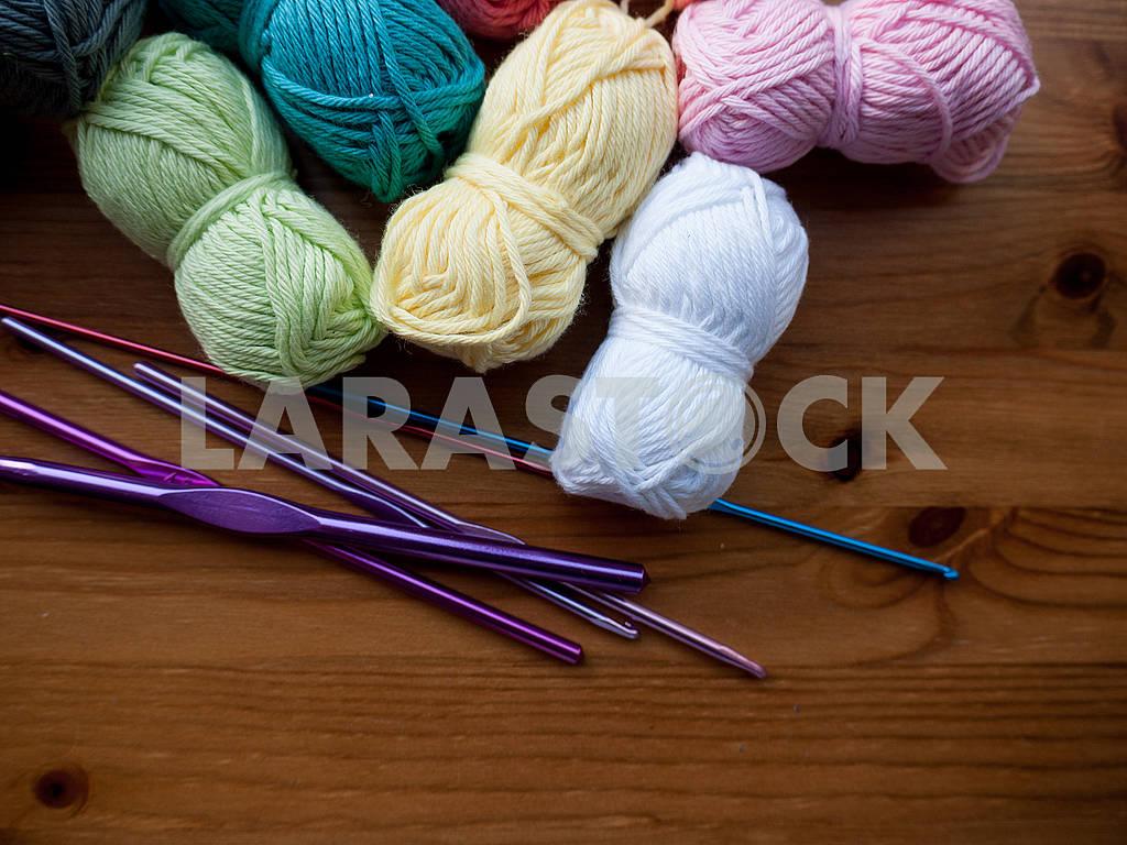 Knitting Equipment — Image 68280