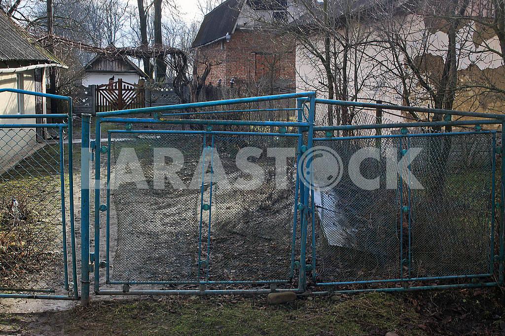 Old metal gates — Image 68570