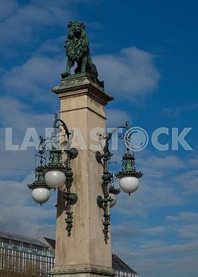 Column with a lion on the Zurich bridge