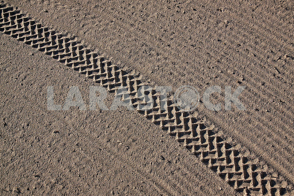 Cleaned by a tractor sand on the Mediterranean beach — Image 68890