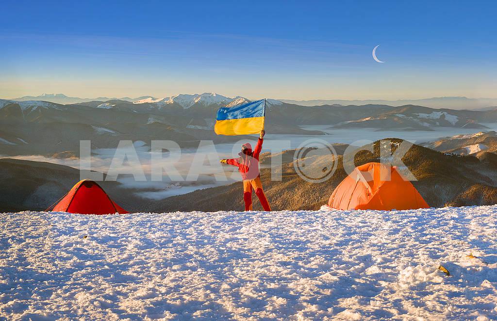 Flag of Ukraine against Montenegro Goverla — Image 69112