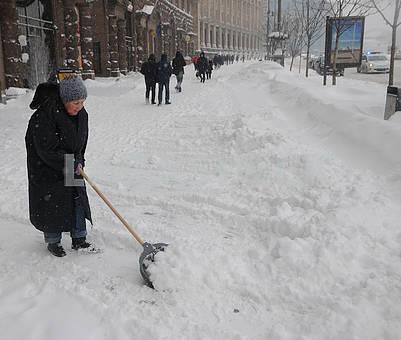 Snow cleaning in Kiev