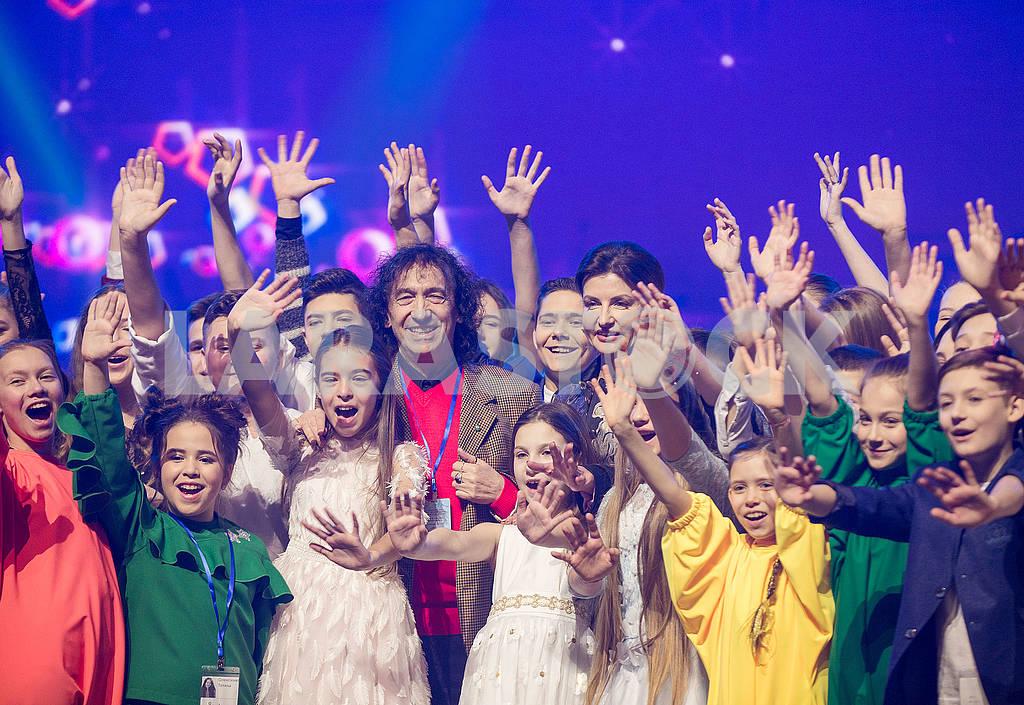 Children on stage — Image 69344