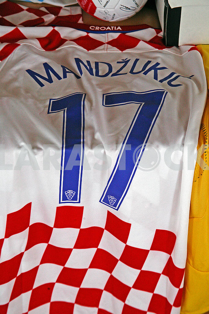 Mandzukic original football jersey — Image 69732