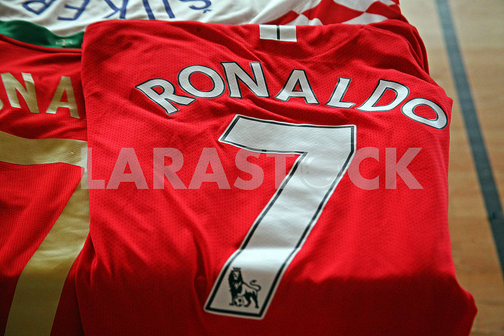 Ronaldo original football jersey — Image 69733