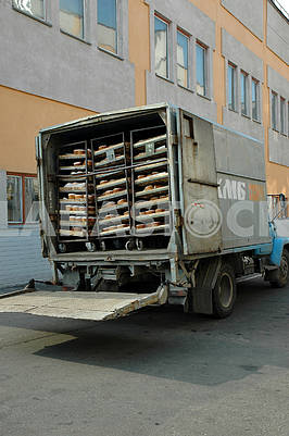 Box for transportation of bakery products