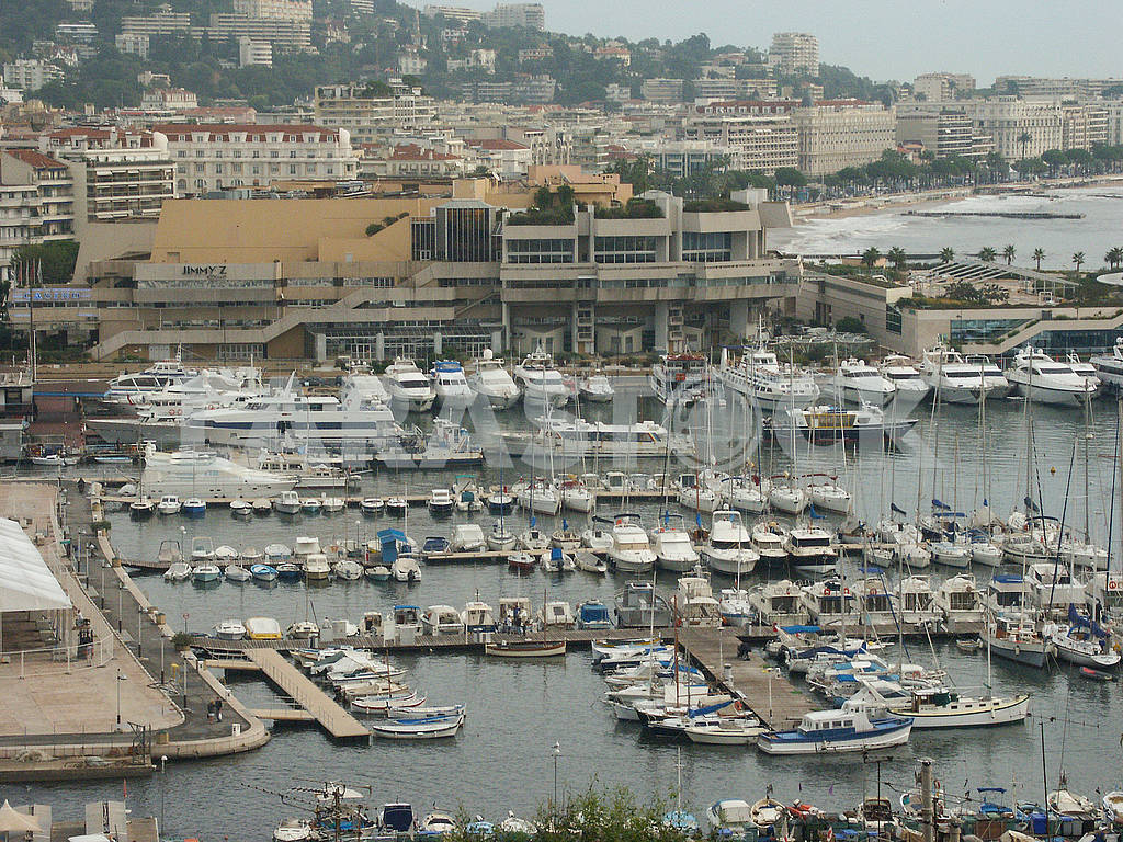 Yacht Club on the Croisette — Image 69860