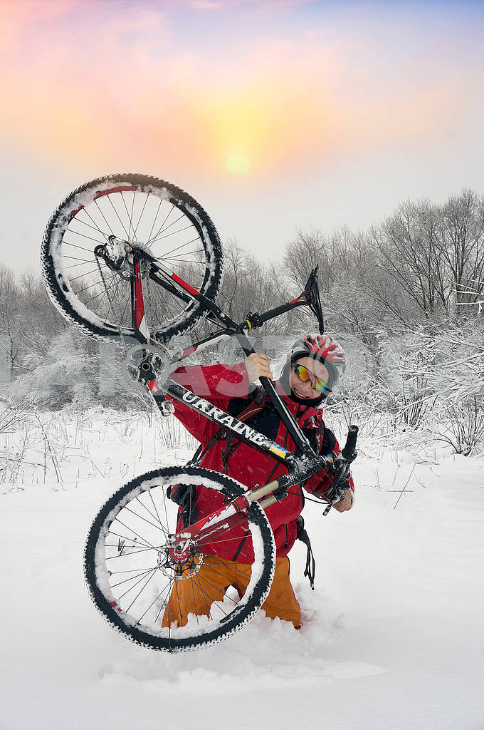 A walk in bicycle snowfall — Image 70104