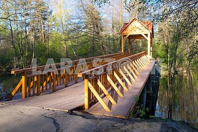Мост через озеро