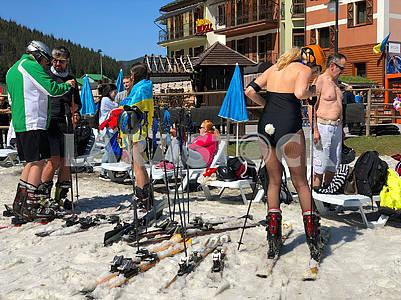 Лыжники в Буковеле