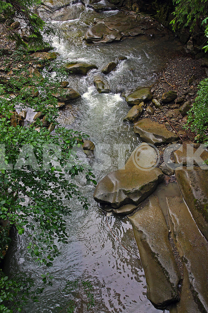 Mountain river with a small waterfall — Image 70215