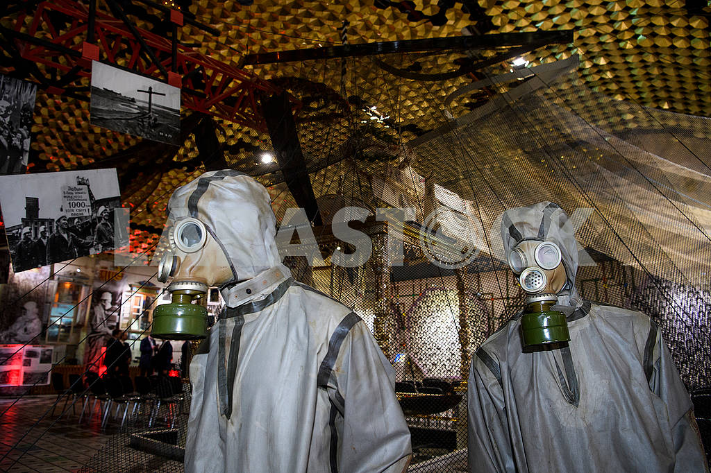Cloaks of chemical protection and gas masks — Image 70490