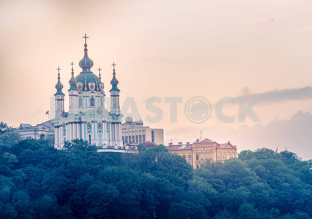 Beautiful background on St. Andrew's Church at sunset — Image 70678