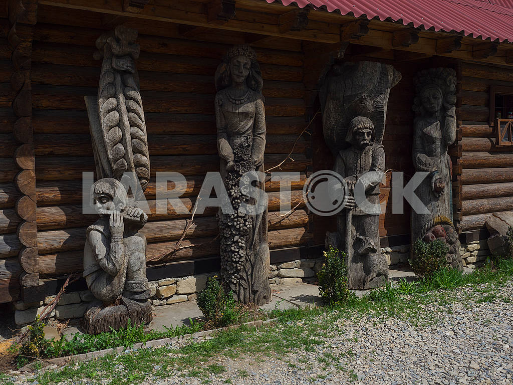 Wooden sculptures of Hutsuls — Image 70866