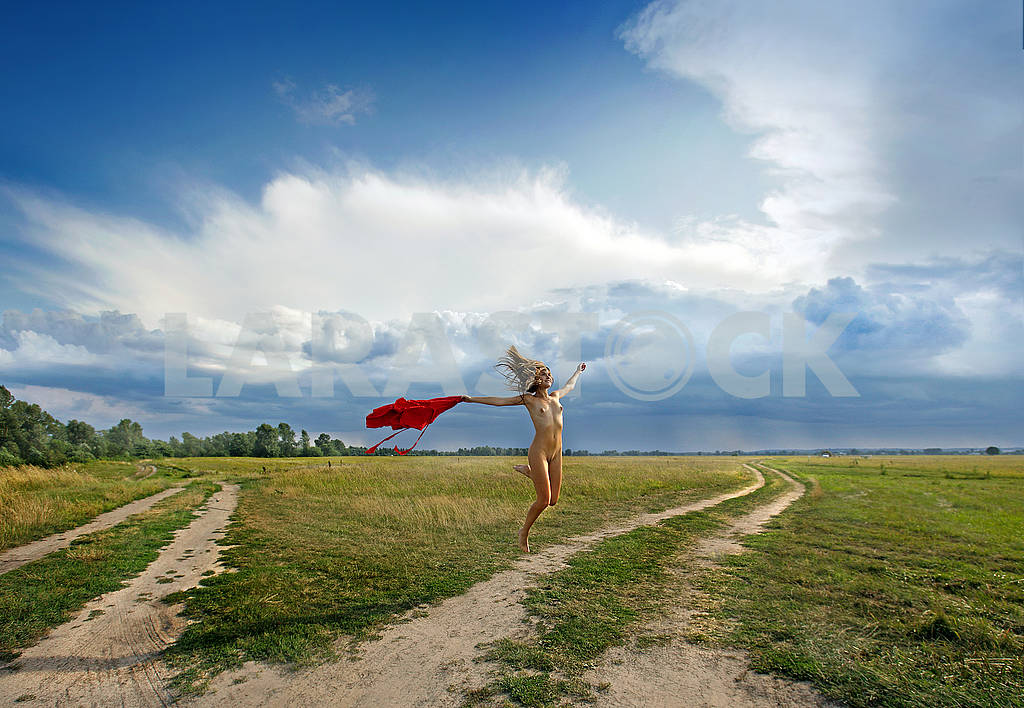 Naked girl jumping against the sky — Image 70975
