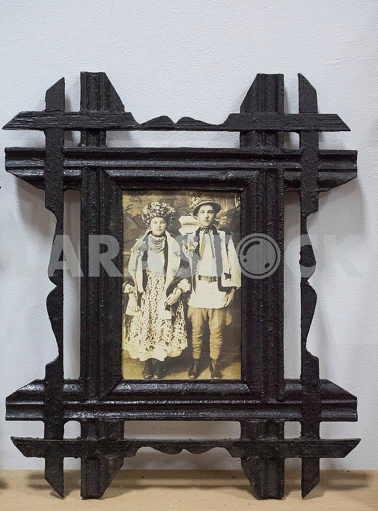 Фотография гуцулов в рамке — Изображение 70987