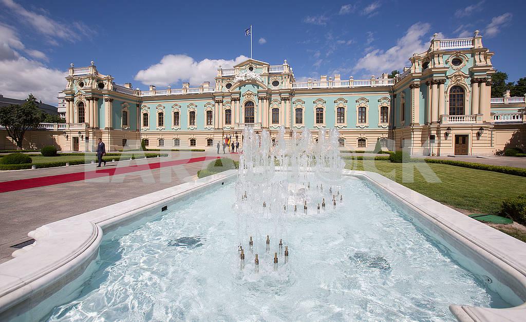 Фонтан возле Мариинского дворца — Изображение 71456