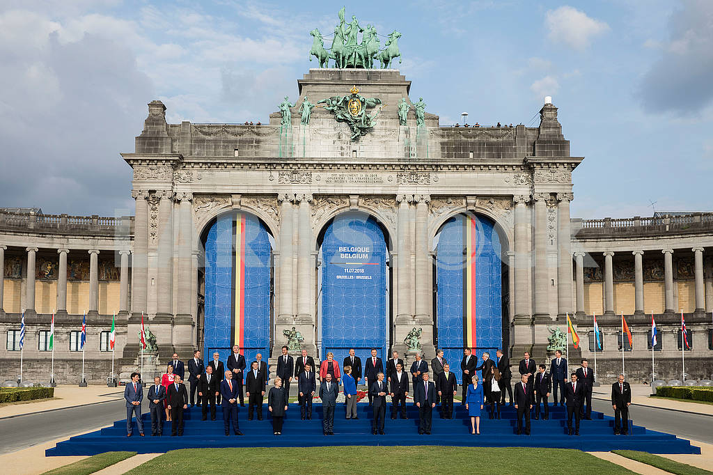 Group photo of NATO summit participants — Image 72593