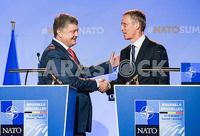 Петр Порошенко и Генсек НАТО Йенс Столтенберг