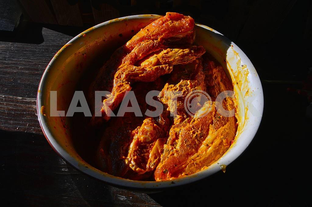 Замариновані великі шматки м'яса — Изображение 72914