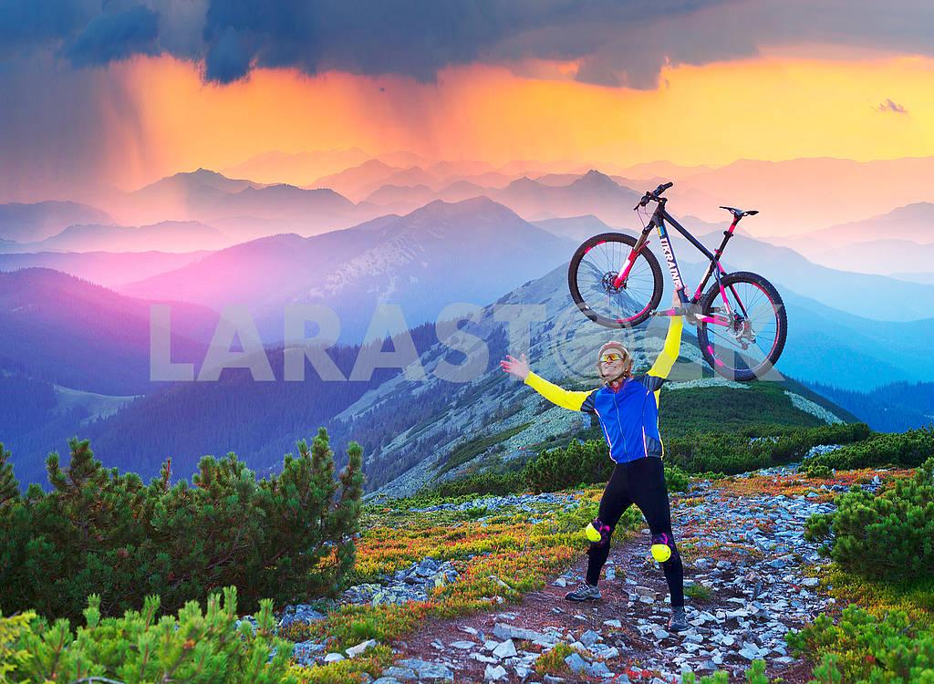 Огромный новичок рюкзак в горах — Изображение 72927