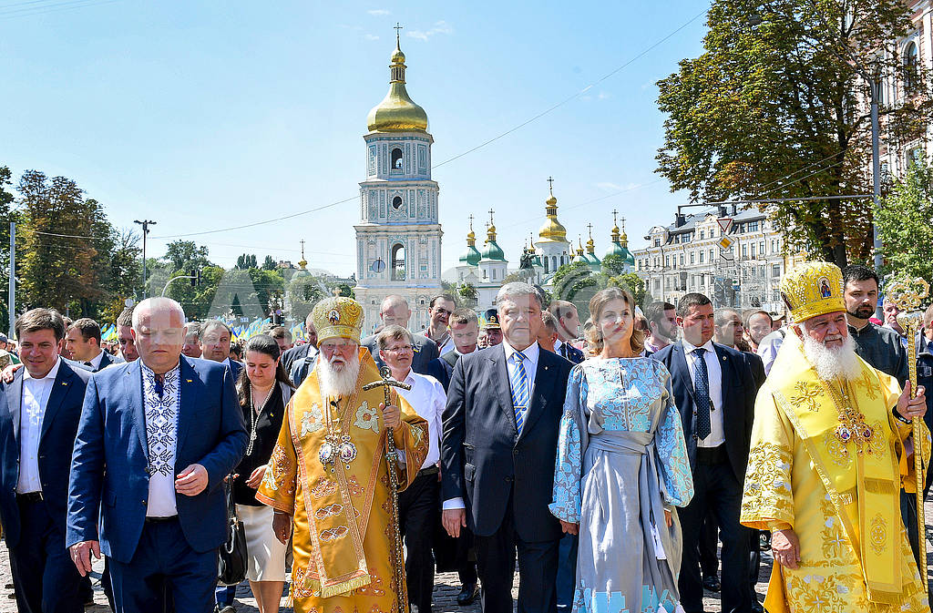 Filaret and the Poroshenko family — Image 72965