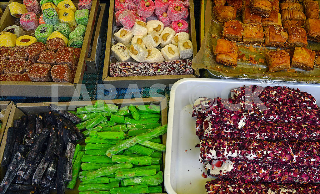 Oriental sweets in assortment — Image 73065