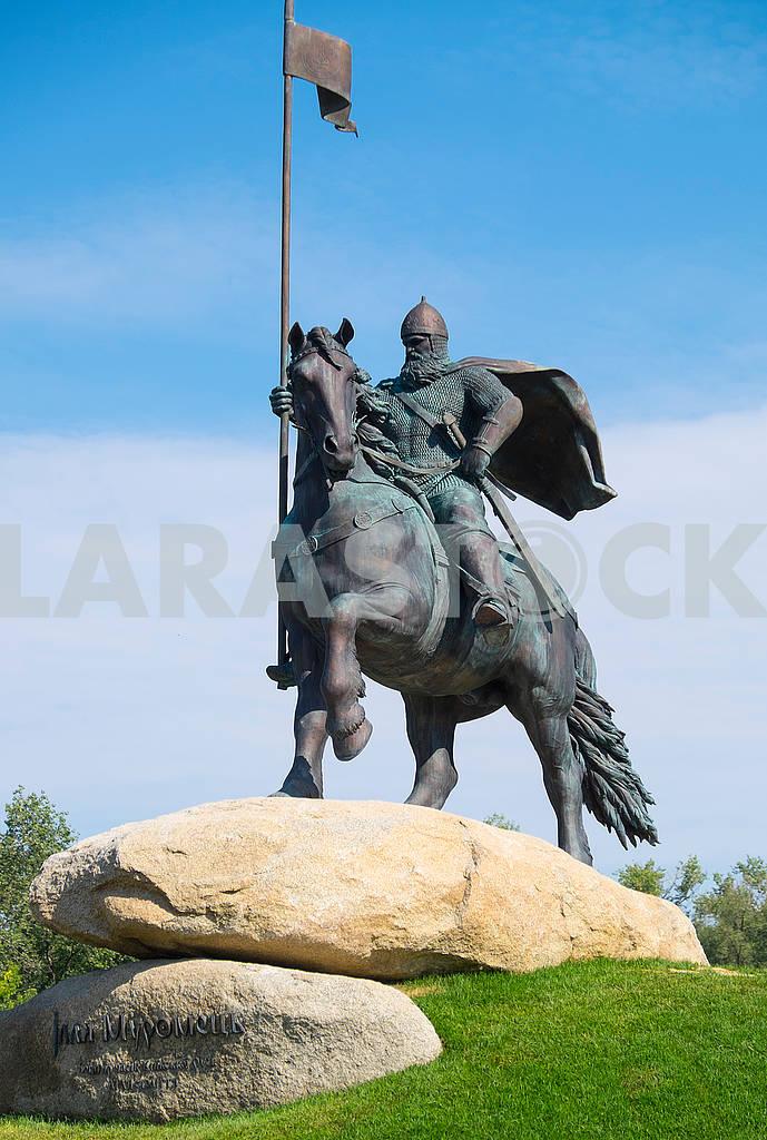 Памятник сказочному богатырю Муромцу — Изображение 73098