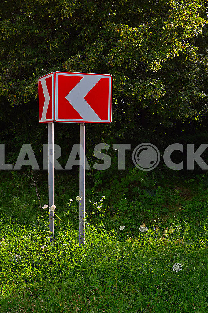 Попереджувальний дорожній знак — Изображение 73256
