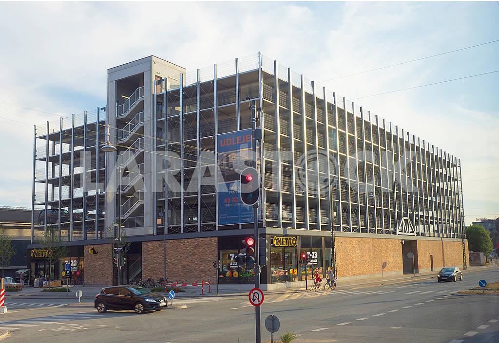 Здание многоэтажного гаража в Копенгагене — Изображение 73395