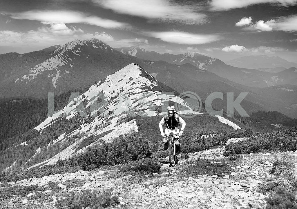 Racer on Mount Synyak — Image 73459