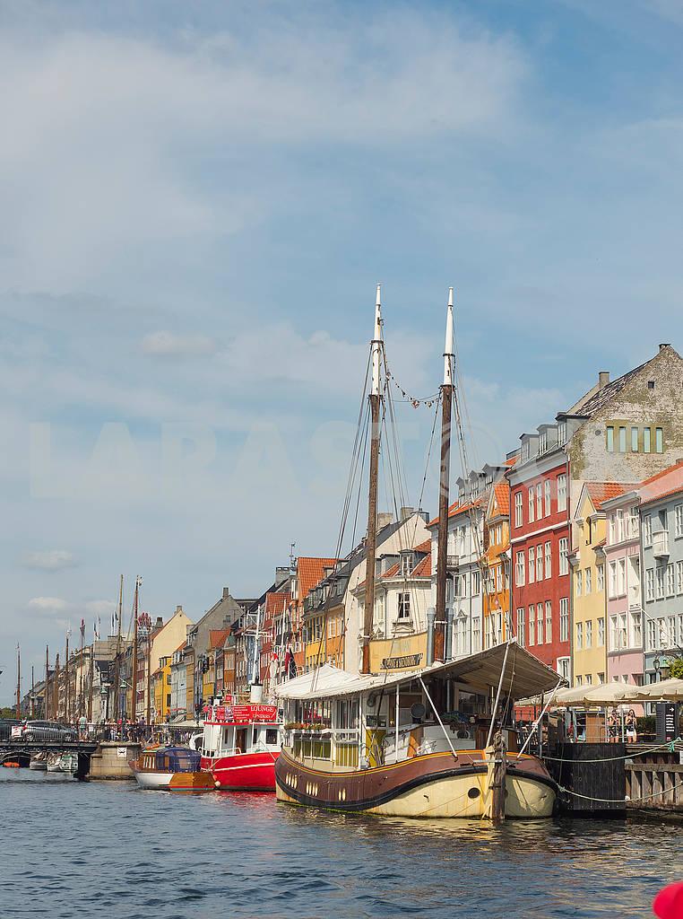 Яхта на канале Нюхавен  — Изображение 73543